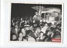 N°8085 / bal caravane publicitaire tour de france ?  photo LE PROGRES