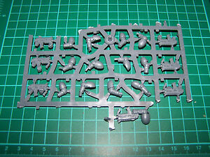 7-Space-Marine-Primaris-Reivers-Bolt-Carbines-and-Arms-bits