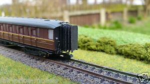 N-Gauge-2mm-BR-LNER-Gresley-Dapol-Corridor-Connectors-x-12-Teak-Maroon-Layout