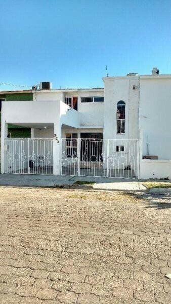 Casa Playa ZONA DORADA 3 recamaras 15 personas