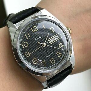 RAKETA-Classic-Ribbed-Vintage-Calendar-Export-USSR-Watch-Men-039-s-Formal-Mechanical