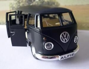 PERSONALISED-PLATE-Matt-Black-VW-T1-CAMPER-VAN-BUS-Boys-Dad-Toy-Model-Boxed