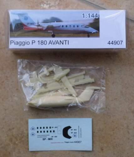 Flugzeug Piaggio P 180 Avanti von bs-design 1:144