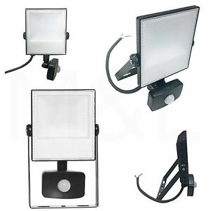Energizer 20w=200w LED Outdoor Security Floodlight Light with PIR Motion Sensor
