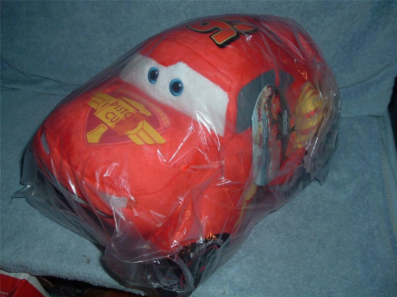 LIGHTNING McQUEEN Pillow Pets Disney Authentic Disney CARS 2 Folding Plush NWT L