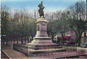 71-Macon-Statue-de-Lamartine-Autos