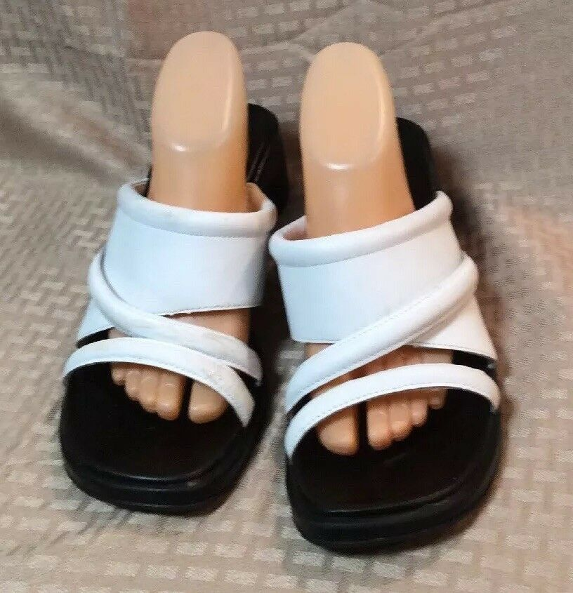 VGUC Sandal EARTH SHOE Womens Leather Upper Stretch Wedge Sandal VGUC Size 11 Color White 03c023
