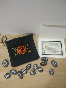 13-Stone-Witches-Runes-with-Symbols-Card-Embroidered-Canvas-Pouch-Pentagram