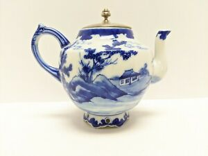 BLUE AND WHITE PORCELAIN ASIAN TEAPOT WITH TIBET SILVER MOUNTS /& HANDLE