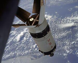 APOLLO-7-S-IVB-ROCKET-STAGE-IN-EARTH-ORBIT-8X10-NASA-PHOTO-BB-107