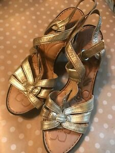 a952cdd282bba BORN GOLD LEATHER ANKLE STRAP OPEN TOE DRESS SANDALS HEELS WOMENS SZ ...