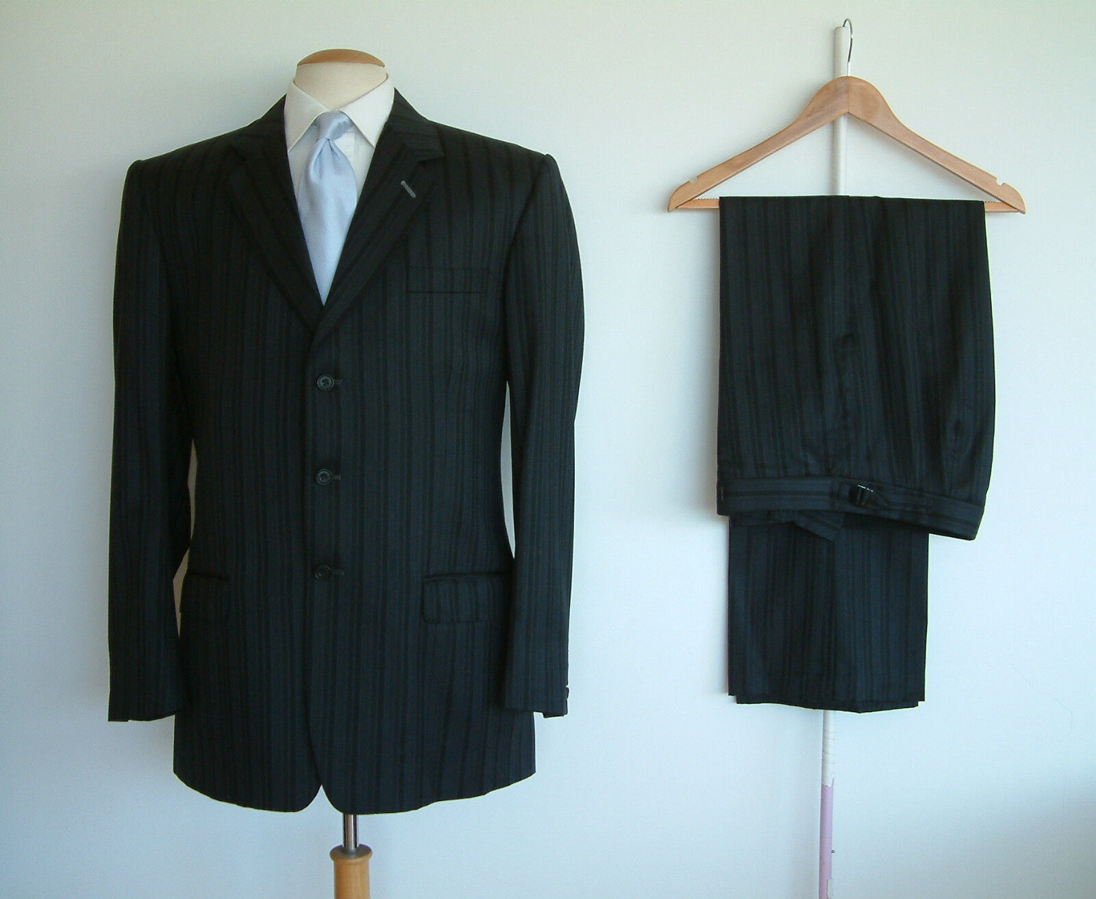 BESPOKE SUIT BY DEL TAILORS..PURE WOOL..WAIST ADJUSTERS..40
