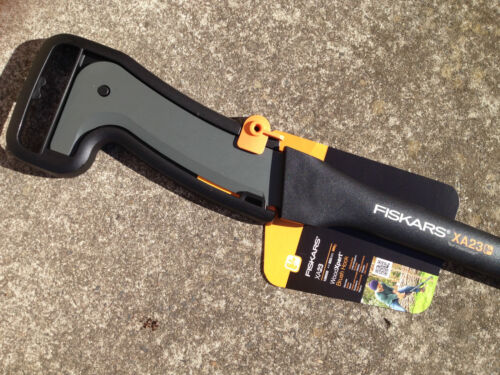 Authorized Fiskars 94.3cm Finland Made Garden XA23 WoodXpert Brush Hook 126005
