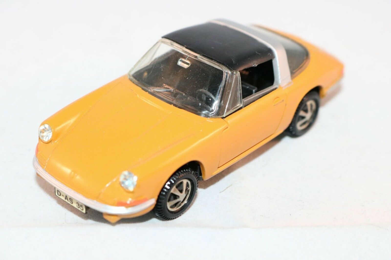 Marklin 1800 Porsche 911 Targa perfect mint all original condition scarce colour