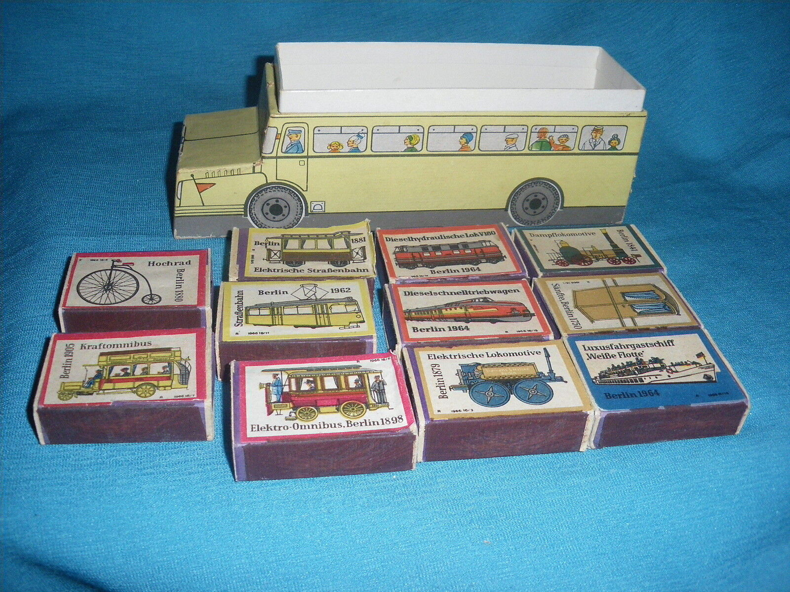 702A Vintage Box Cardboard Bus Consumption Zundwarenwerk Riesa 20 6 7 Transport