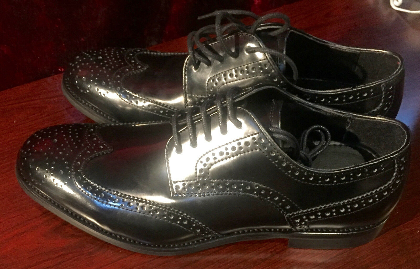 New Structure Mens Adaja Wingtip Wingtip Adaja Dress schuhe-Style 66507-Größe 8.5 MED 94777b