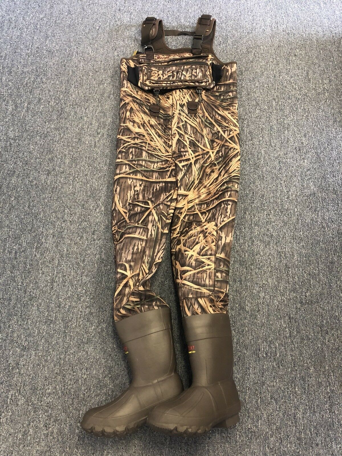 NEW 4mm Waterfowler Shadow Grass  Camo Neoprene Hunting Chest Wader Lug Size 11  comfortably