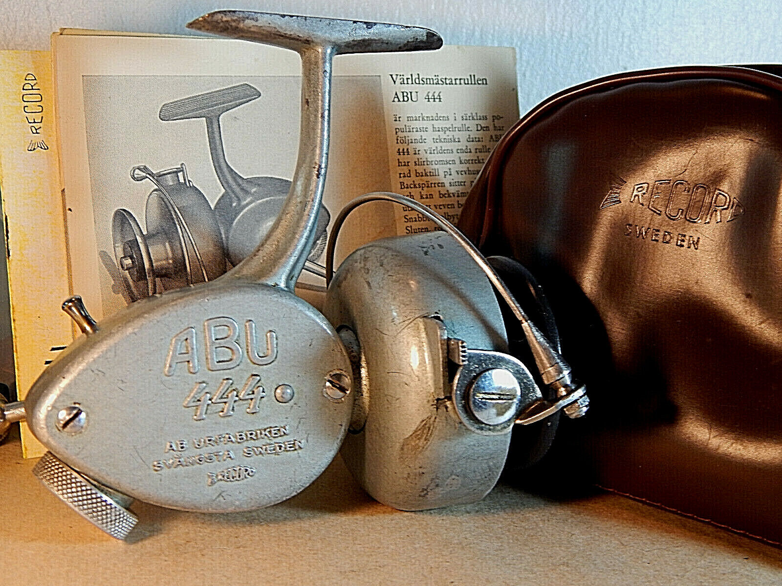 Rare '56 Vintage ABU 444 Record spinning reel  Record pouchusedexcellent