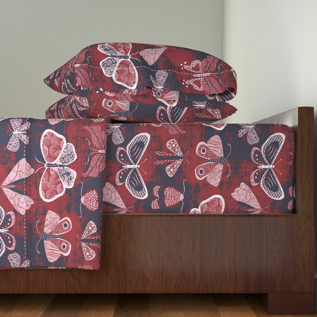 Butterflies + Moths Butterflies And 100% Cotton Sateen Sheet Set by Roostery