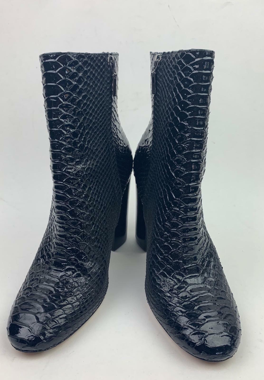 Shultz block heel crocodile embossed booties sz 10