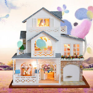 1:24 DIY Handcraft Miniature Project Kit Wooden Dolls House - European Town