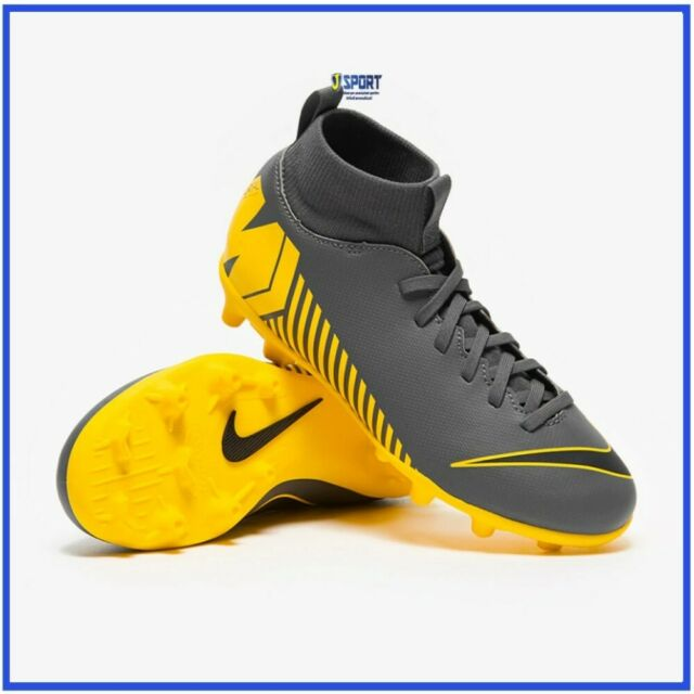 scarpe nike bambino adidas