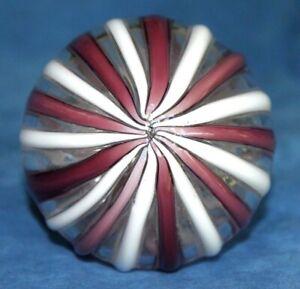 Great-Vintage-Purple-White-Murano-Italy-Glass-Neiman-Marcus-Sticker-Paperweight