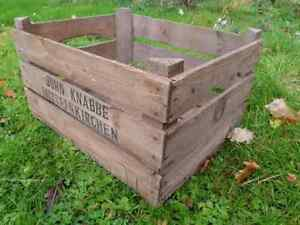 Vintage-3-Slatted-Wooden-apple-Crate-Rustic-Old-Bushel-Box-Shabby-Chic-Storage