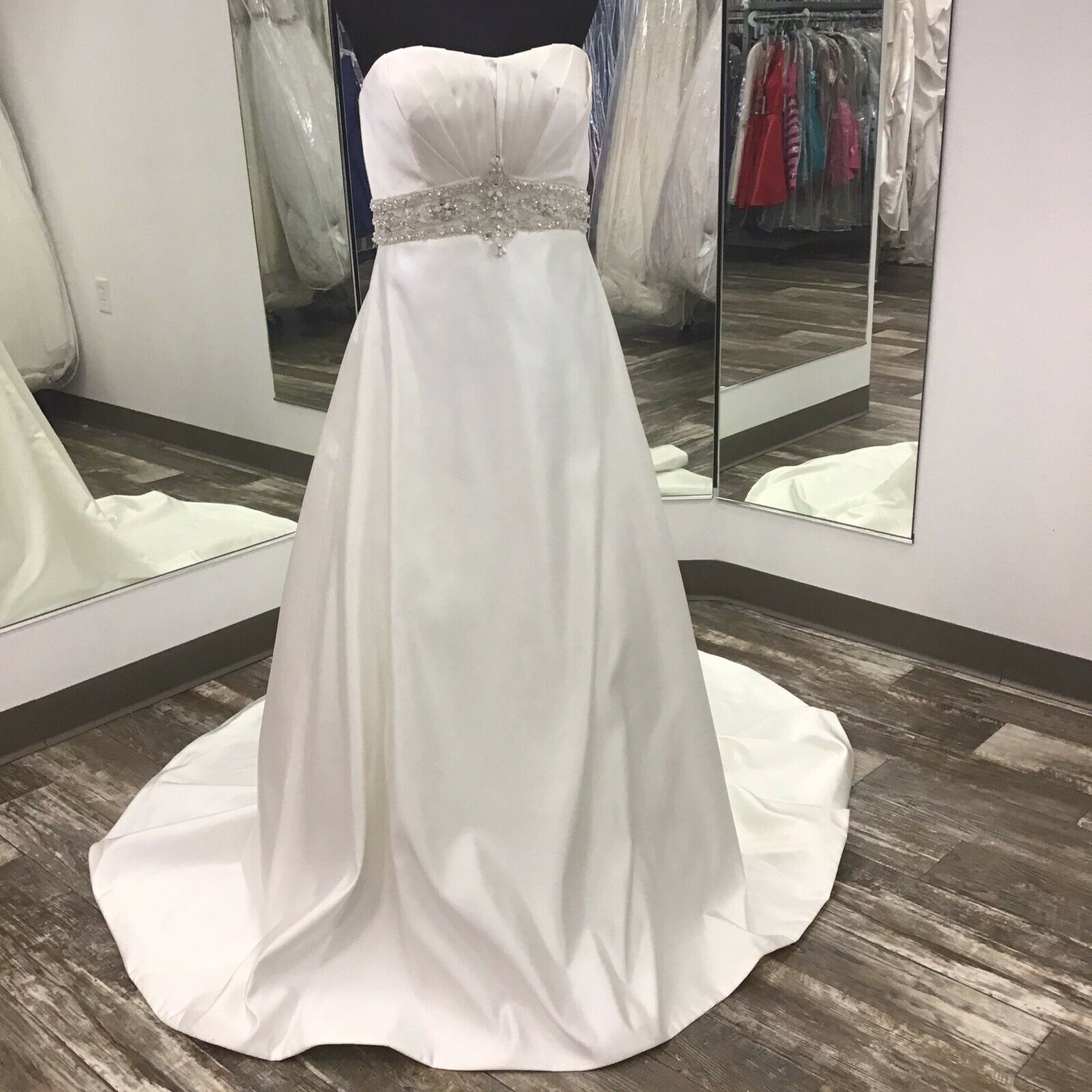New Private Label BE131 Wedding Gown Ivory Satin Size 12