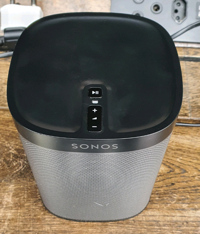 Wifi/Bluetooth Heavy Bass Power Speaker 2000 or trade with ur cash
