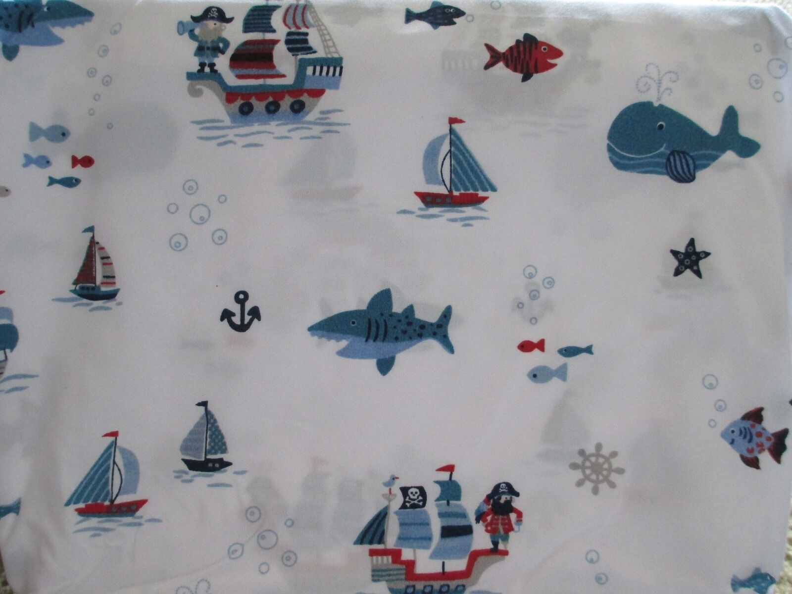 New AUTHENTIC KIDS 4pc PIRATES WHALES FISH BOATS White bluee Red Sheet Set - Full