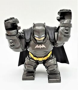 DC-Comics-Batman-Mini-Figurine-Bruce-Wayne-Mini-Figurine