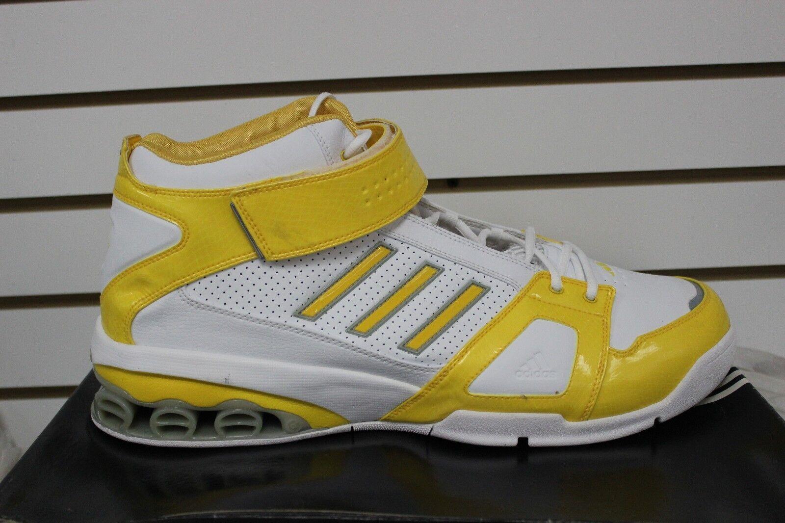 Uomini adidas ast nba j smoov josh smith basket bianco   giallo 667474 | Commercio All'ingrosso  | Uomini/Donne Scarpa