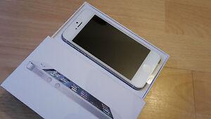 Apple-iPhone-5-32GB-white-ohne-Simlock-brandingfrei-iCloudfrei