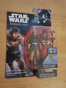 Eadu In Hand Star Wars Rogue One 3.75-Inch Figure Captain Cassian Andor
