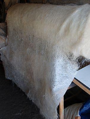MAT DE VERRE 225g 1,6x1m Pour résines polyester ou époxy.