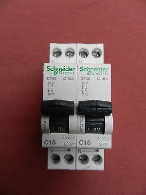 Disjoncteur 1P+N DT40-4 A courbe C schneider  A9N21022