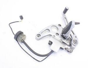 04-BMW-R1150RS-Rear-brake-pedal-bracket-master-cylinder-amp-reservoir