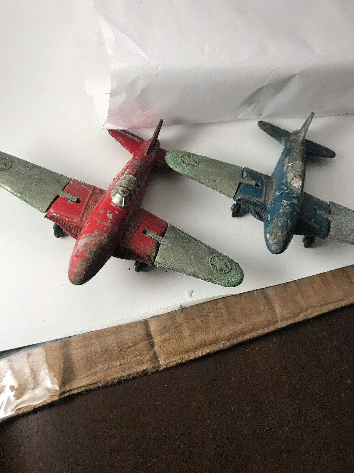 Vintage Lot of Two HUBLEY Kiddie Toy Red and and and bluee Airplanes 43000a