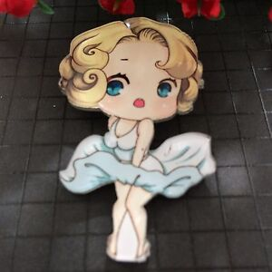 Retro-Vintage-Cartoon-Marylin-Brooch-Badge-Pin-Lapel-Rockabilly-50-039-s-60-039-s