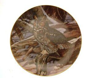 Danbury-Mint-The-Owls-of-North-America-Winter-Watch-owl-plate-GB96