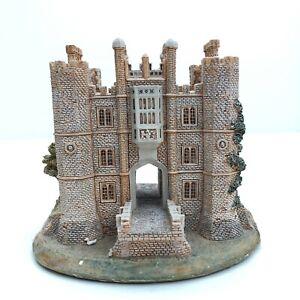 Lilliput-Lane-Britain-s-Heritage-Hampton-Court-Palace-BOXED-WITH-DEEDS
