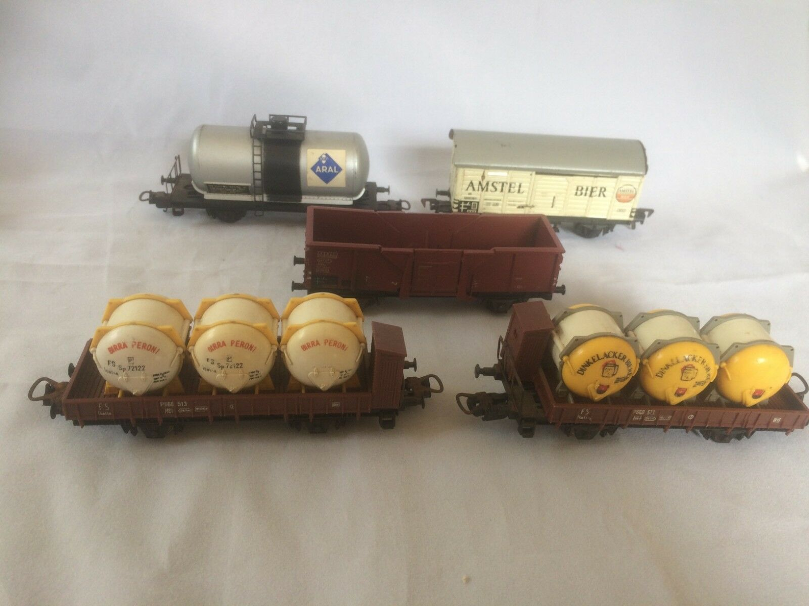 FLEISCHMANN and other  HO Scale wagons
