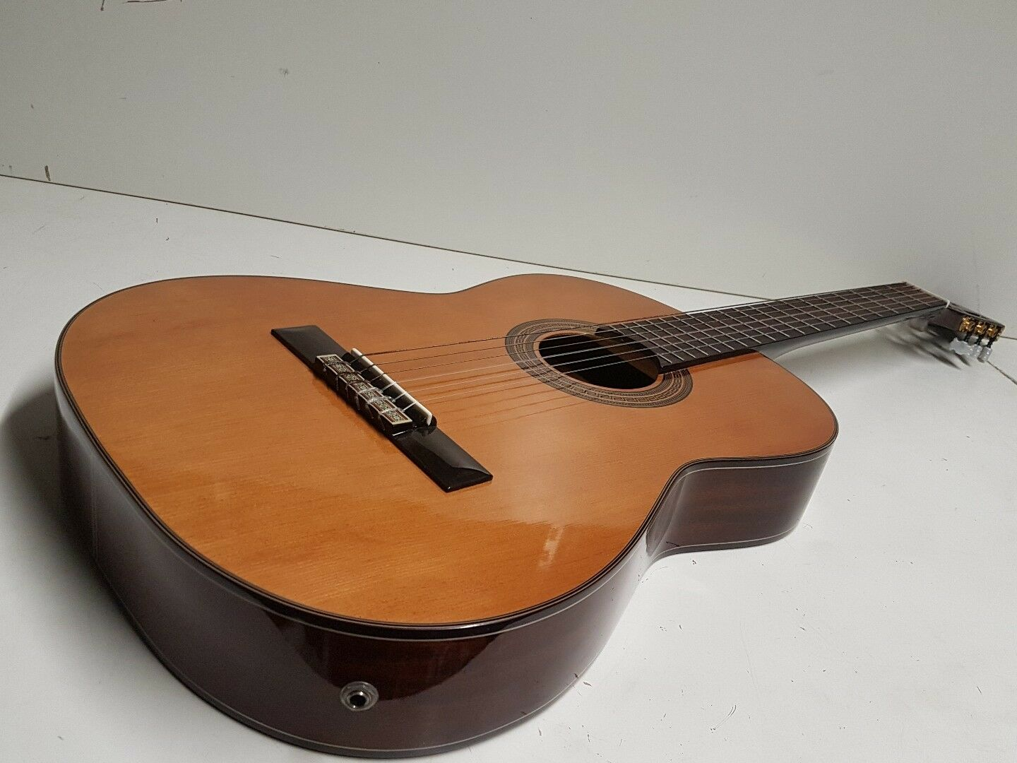 Thin body classical electro Acoustic Acoustic Acoustic 09f01a