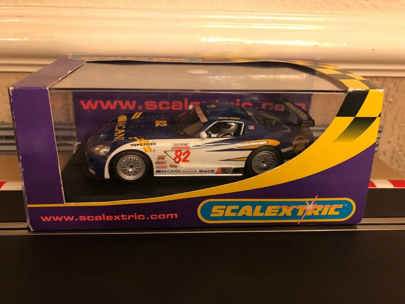 Scalextric Digital Dodge Viper Competition Coupe McCann No82 C2523 Mint Boxed