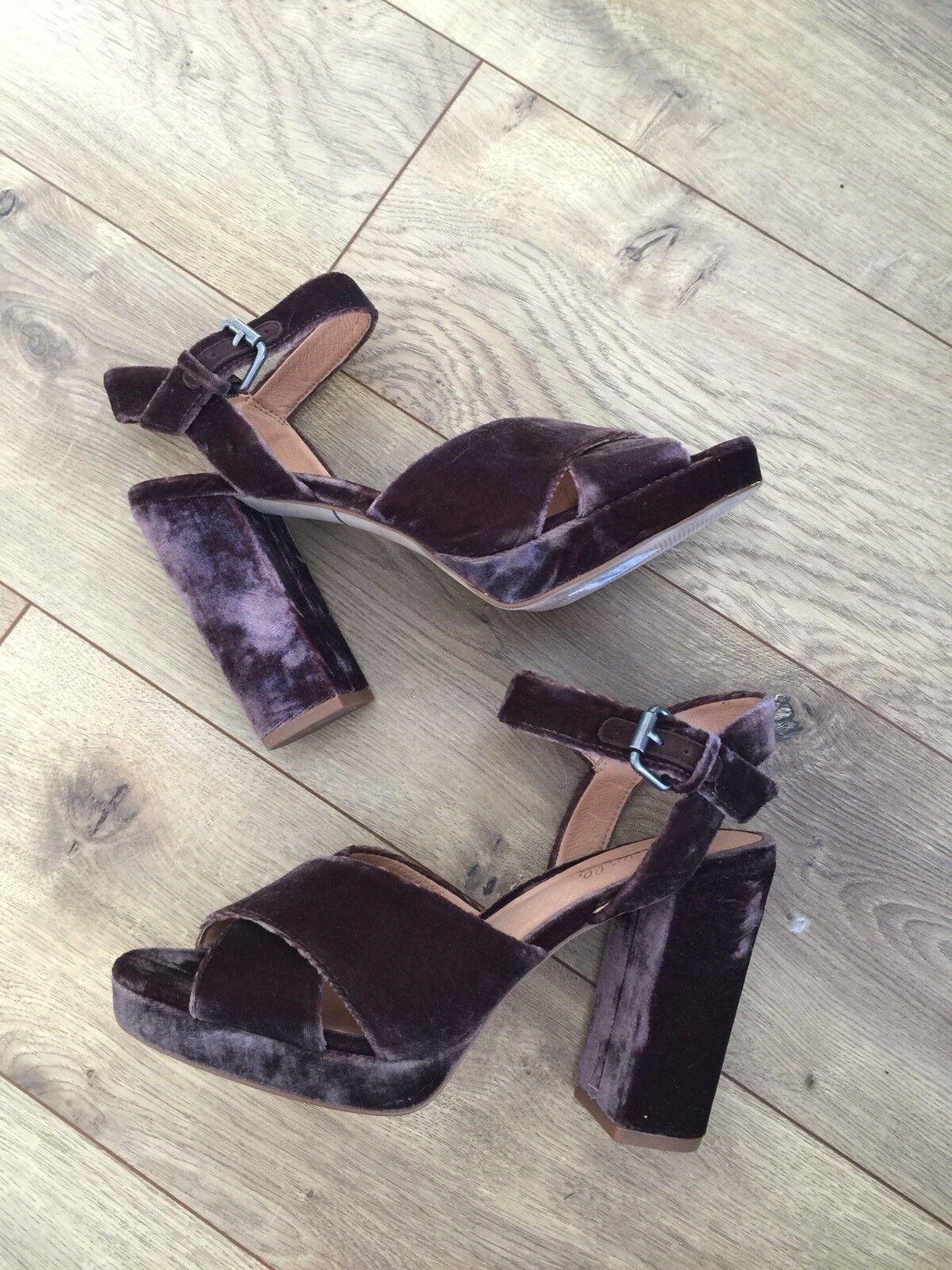 New Sandal Madewell $168 The Vanessa Sandal New in Velvet 8.5 Wild Boar Braun Heels G8411 8a88c5