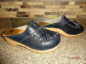 6f823b3685f69 Details about Vintage Womens Sz 35 US 5 Navy Blue Leather Clogs Wood/Wooden  Shoes Tassels