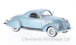Neo-1-43-Lincoln-Zephyr-Coupe-Metalico-Azul-Claro-1937