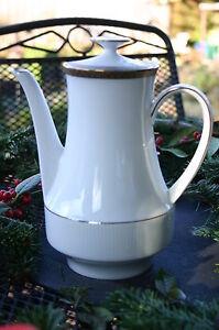Winterling-Marktleuthen-Bavaria-034-Kaffeekanne-034-Motiv-Goldranddekor