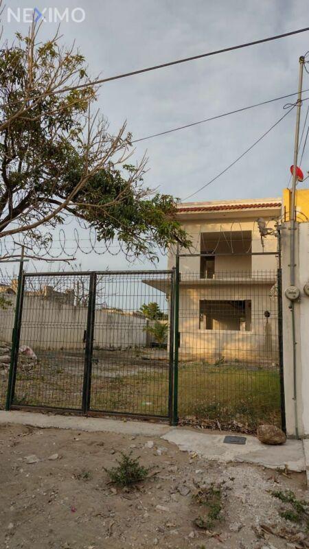 Terreno con construcción Col Acosta Lagunes Veracruz